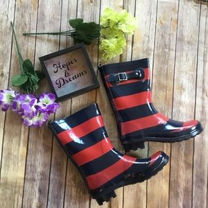 Shoes - 🆕 Red & Navy striped rain boots Wellies
